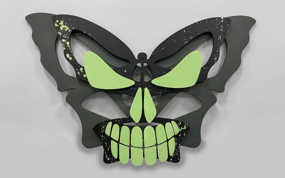 Картина бабочки в виде черепа.