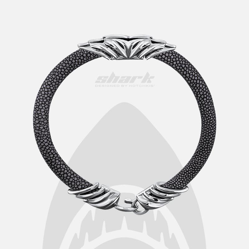 Серый браслет Hotchkis Shark из кожи ската